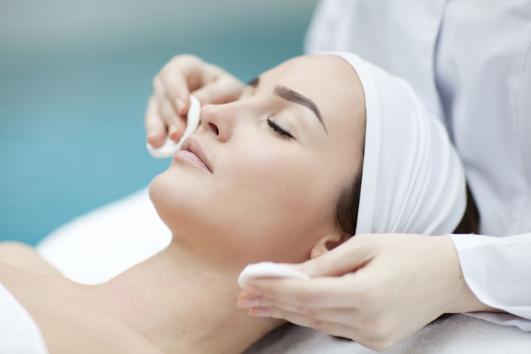 Эстетическая косметология, механическая чистка лица, комбинированная чиска лица